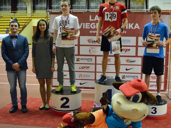 Par Latvijas čempionu tituliem sacentās U16 vecuma meitenes un zēni